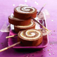 Découvrez la recette Bûche chocolat et caramel salé sur http://cuisineactuelle.fr.