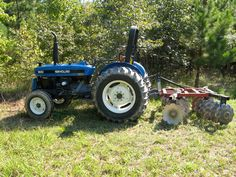 New Holland-Ford 3930 Old John Deere Tractors, Ford Tractors, New Holland Ford, New Holland Tractor, Tractor Machine, Future Farms, Ford News, Farm Life, Old And New