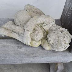 Elfe Faye Gartenfigur Fiona Jane Scott bei www.duftoase.ch Business Help, Throw Pillows, English Artists, Sculptures, Toss Pillows, Decorative Pillows, Decor Pillows, Scatter Cushions
