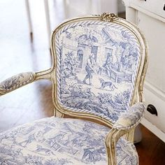 Just Pinned to piping: Provencal French Blue White and Gold...