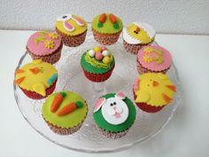 Wat is er nu leuker dan gezellig met kinderen #cupcakes bakken?