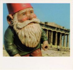 the gnome in Greece from Amelie