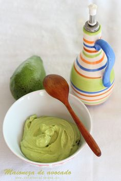 Reteta de maioneza de avocado 100% vegana. Maioneza de post din avocado reteta. Cum se face maioneza de post naturala. Reteta de sos maioneza din avocado. Vegetarian Recipes, Cooking Recipes, Healthy Recipes, Healthy Food, Good Food, Yummy Food, Salad Sauce, Romanian Food, Food Inspiration