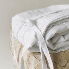 Fog & Moon 100% pure linen white duvet cover set with 2x white linen pillow cases #handmade  #linen #home #textile #white #naturalmaterials #designerlinen #bedroom