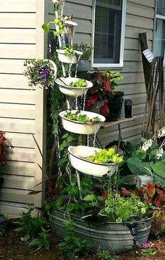 Garden Crafts, Garden Projects, Recycled Garden Art, Outdoor Projects, Rustic Gardens, Outdoor Gardens, Small Gardens, Gemüseanbau In Kübeln, Container Gardening Vegetables