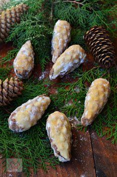 Nuci umplute cu crema - CAIETUL CU RETETE Cooking Recipes, Breakfast, Sweet, Cookie, Winter, Food, Morning Coffee, Candy, Winter Time