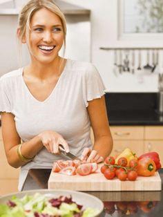 Du möchtest abnehmen? Dann solltest du diese 8 häufigen Fehler beim Abendessen in Zukunft vermeiden.