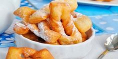 Baking Games, Breakfast Platter, Russian Desserts, Romanian Food, Cannoli, Pretzel Bites, Doughnuts, Macaroni And Cheese, Cooking Recipes