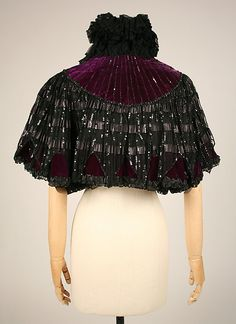 Cape Design House: House of Worth (French, Date: ca. 1896 Culture: French Medium: silk, linen, sequins, beads Dimensions: Length at CB: 17 in. 1890s Fashion, Victorian Fashion, Vintage Fashion, Victorian Collar, Victorian Dresses, Cape Designs, House Of Worth, Merry Widow, Period Outfit