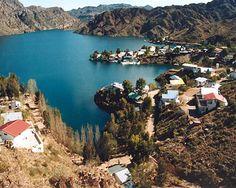 Mendoza, Argentina Mendoza, Argentina: capital mundial del #malbec , cercano a cordillera de Andes, aquí hay mucho por hacer: esquiar, cabalgar, que le agregarías a tu visita? #tienesqueir este año nuevo