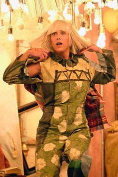 "Watch Sia's Epic Performance Of ""Chandelier"" Featuring Kristen Wiig"