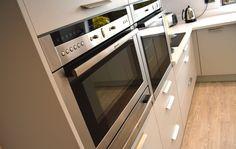German Kitchen, Kitchen Design, Artisan, Kitchen Appliances, Home, Diy Kitchen Appliances, Cuisine Design, Home Appliances, Domestic Appliances