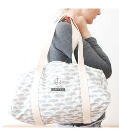Blue whale bag -  The Mochi and The Bear #babyshowerbag #gymbag #beachback #ecofriendlybag