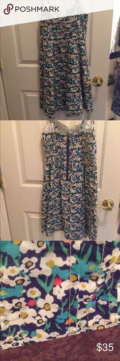 American Eagle Flower Dress Great summer dress! Flower pattern with zip in the back! American Eagle Outfitters Dresses