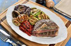 Friptura de vita cu legume la gratar – reteta video Carne, Hamburger, Steak, Food, Eten, Hamburgers, Steaks, Meals, Loose Meat Sandwiches