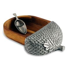 Made by Vagabond House. Vagabond House Nut Bowl with Scoop - Acorn. 848324007189 Part: The Nut Bowl with Scoop - Acorn from Vagabond House measures L x W x T. Acorn And Oak, Mighty Oaks, Office Gadgets, Little Acorns, Clay Projects, Hostess Gifts, Just In Case, Pewter, Decorative Bowls