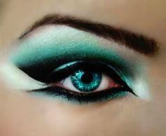 Emerald green eye look