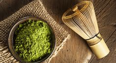 """Matcha literally means """"powdered tea"""" and it is a bright emerald-green tea powder. It is packed with healthy benefits and has a soothing distinct flavor. Healthy Drinks, Healthy Recipes, Tea Recipes, Healthy Foods, Healthy Life, Matcha Tee, Matcha Smoothie, Green Tea Extract, Matcha Green Tea"""