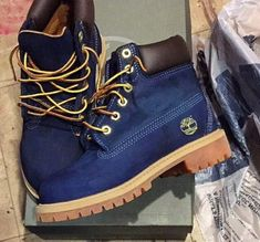 There is 0 tip to buy shoes, timberland, timberlands, blue timberlands, royal blue timberland boots. Help by posting a tip if you know where to get one of these clothes. Navy Blue Timberland Boots, Timberland Chukka, Timberland Boots Outfit, Timberlands Women, Timberland Fashion, Sock Shoes, Cute Shoes, Me Too Shoes, Heeled Boots