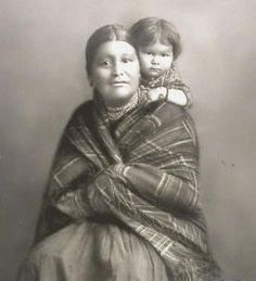 Native American Wisdom, Native American Beauty, Native American Indians, American History, Native Indian, Indian Art, Native Beading Patterns, Antique Pictures, First Nations