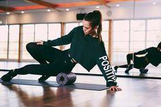 HIT 2019 LIKE A ROCKET!  Bring Bewegung in Dein Leben.  Q&A mit Tahnee Schröder!  #dayococo #finecoconutgoods #vegan #organic #welovecoco #coconut #organicproducts #coconutoil #healthy #surfin #naturalproducts #blog #kokosöl #quote #bali #hawaii #australia #coconutoilbenefits #fitfood #skincare Bali, Hawaii, Sporty, Training, Style, Fashion, Life, Swag, Moda