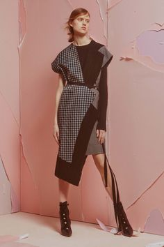 ADEAM Fall 2016 Ready-to-Wear Fashion Show Enjoy the asymmetic layering of several prints and fabrics.