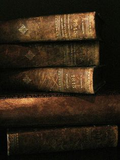 ❥ leather bound books