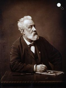Jules Verne (1828-1905) író, 1892 (Fotó: Félix Nadar/Babelio.com)