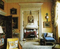 London Drawing Room of Mrs. Interior Design Nancy Lancaster and John Fowler Dining table arrangement English Interior, Classic Interior, Yellow Walls, Yellow Rooms, Lancaster, English Country Decor, Classic Living Room, Yellow Interior, Country Style Homes