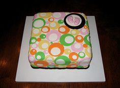 http://cakedecoratingcoursesonline.com/cake-decorating/ Baby Shower Cake. Do you want your #personal #Baby #Shower #cake? - Learn How to #Decorate Cakes - Visit Online Cake Decorating Classes on http://CakeDecoratingCoursesOnline.com