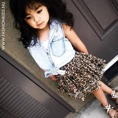I want my little girl to be this cute. Little Kid Fashion, Little Girl Outfits, My Little Girl, My Baby Girl, Kids Outfits, Cute Outfits, Baby Baby, Baby Outfits, Kids Fashion Blog