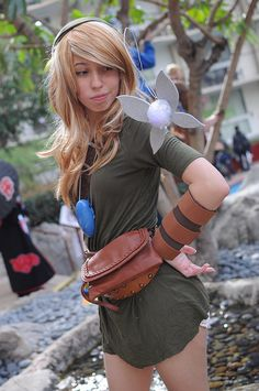 Sexy fem Link~! Great work! Female Link crossplay (The Legend of Zelda) at #ALA2014