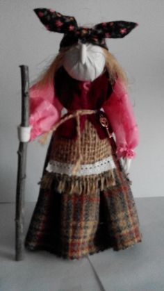 Баба Яга (куклы Елены Сусловой) Handmade Toys, Witches, Art Dolls, Summer Time, Doll Clothes, Fairy Tales, Couture, Halloween, Dolls