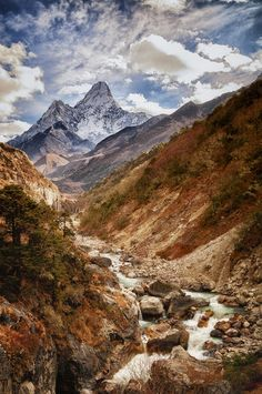 Nepal, more than anywhere else on Earth, calls to me. ♥