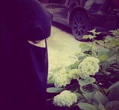 the Beauty of Hijab (+Niqab) Beautiful Muslim Women, Beautiful Hijab, Beautiful Hands, Beautiful Outfits, Hijab Niqab, Muslim Hijab, Arab Girls Hijab, Muslim Girls, Hijabi Girl