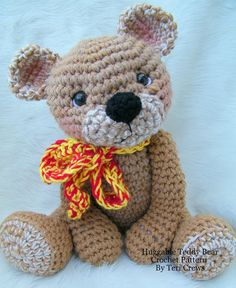 Amigurumi bear by Teri Crews Designs. Crochet Teddy, Knit Or Crochet, Crochet For Kids, Crochet Crafts, Crochet Dolls, Crochet Projects, Diy Projects, Amigurumi Patterns, Crochet Patterns