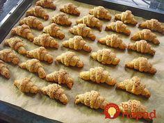Mini Nusshörnchen – Das Küchengeflüster - New ideas Super Moist Banana Bread, Best Banana Bread, Banana Bread Recipes, Quick Dessert Recipes, Easy Desserts, Vegan Yogurt, Sweet Pastries, Recipe For 4, Christmas Desserts