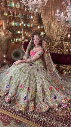Latest Bridal Dresses, Bridal Mehndi Dresses, Fancy Wedding Dresses, Asian Bridal Dresses, Designer Party Wear Dresses, Indian Bridal Outfits, Bridal Dress Design, Pakistani Bridal Dresses, Pakistani Bridal Lehenga