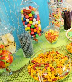 How To Make A Big Candy Buffet On a Small Budget