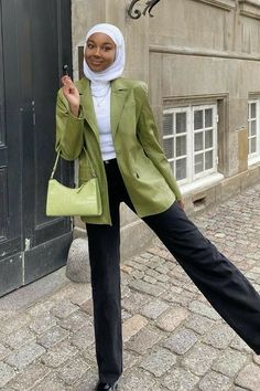 Modest Fashion Hijab, Modern Hijab Fashion, Street Hijab Fashion, Modesty Fashion, Hijab Fashion Inspiration, Muslim Fashion, Modest Outfits, Fashion Outfits, Hijab Chic
