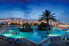 The Hotel Riu El Mansour (All Inclusive) is located right at the beach of Mahdia, Tunisia, and offers one of the best seashores of this area. Hotel Riu El Mansour - Hotel in Mahdia, Tunisia - RIU Hotels & Resorts