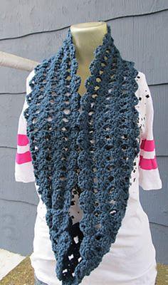Free Ravelry: simple shell stitch infinity scarf pattern by Crochet Mama