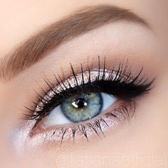 highlighter around eyes