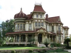 Morey Mansion is a Historic Home in Redlands. Plan your road trip to Morey Mansion in CA with Roadtrippers. Redlands California, Hotel Del Coronado, Victorian Style Homes, Mansions For Sale, Victorian Architecture, Grand Staircase, Blue Rooms, Estate Homes, Real Estate