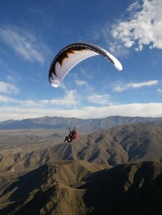 paragliding - looks incredible