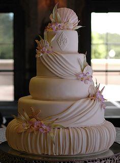 Bake me a cake bakery!! Beautiful cake...