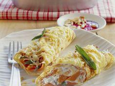 Pfannkuchen mit Räucherlachs-Füllung ist ein Rezept mit frischen Zutaten aus der Kategorie Pfannkuchen. Probieren Sie dieses und weitere Rezepte von EAT SMARTER!