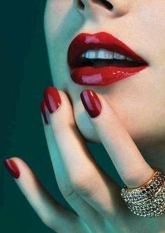 Mooi rode nagels
