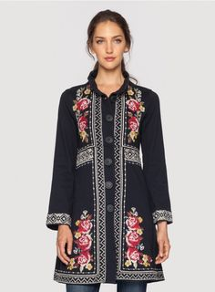 The JWLA Joy Long Sleeve Military Coat offers a fresh take on our signature cotton military coat silhouette thanks to an heirloom floral embroidery design accented by tonal needlepoint border motifs. This luxe embroidered coat adds a bohemian touch to any Frock Fashion, Modest Fashion, Johnny Was Clothing, Mode Jeans, Embroidery Fashion, Floral Embroidery, Fashion Corner, Casual Elegance, Plus Size Tops