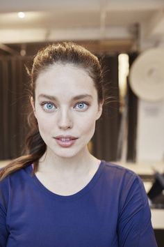 Emily Didonato, Minimal Makeup, Strong Body, Black And White Portraits, Nice Tops, Maybelline, Supermodels, Fashion Models, Beauty Hacks